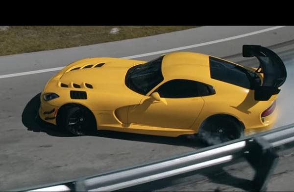 Dodge Viper ACR Pennzoil