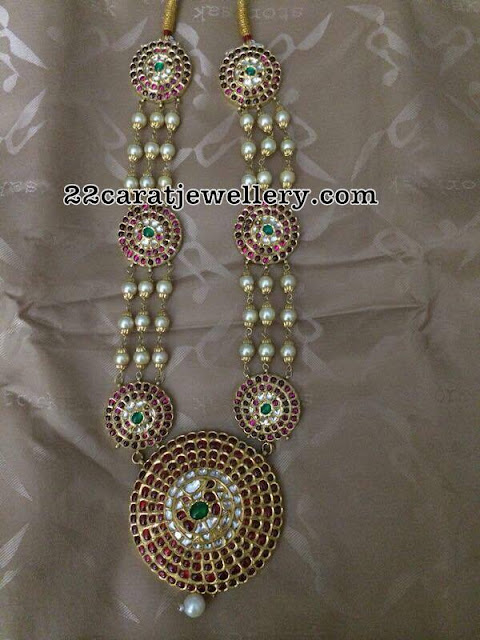Pearls Set with Kundan Motifs