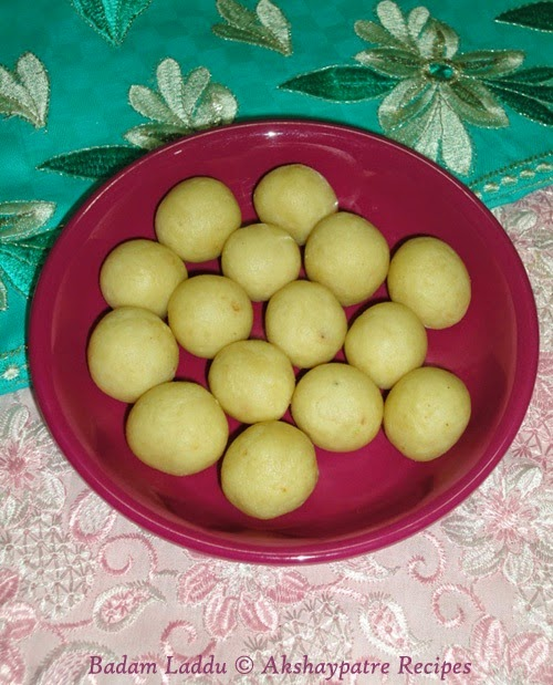 make laddu with almond mixture