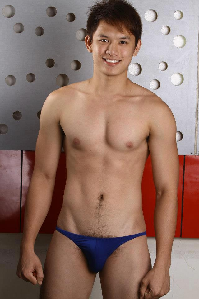 men in pretty sexy bikinis shiney jpg 422x640
