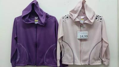 9e5bb1ec9 Localizada na rua João Boemer, 838 no Brás, a Alta Frequência é um  fornecedor específico de roupas para lojas de preço único à partir de 10  reais, ...