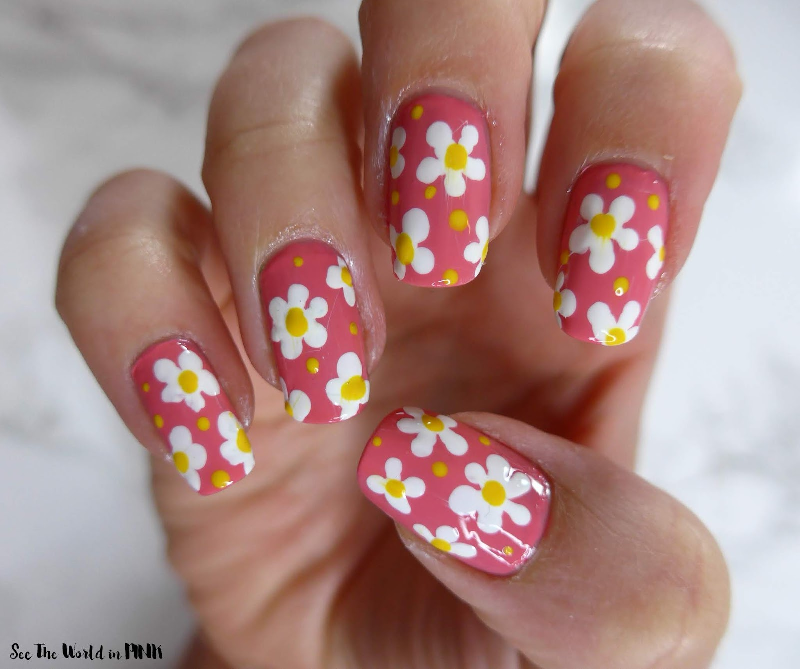 Field of Daisies Floral Nail Art