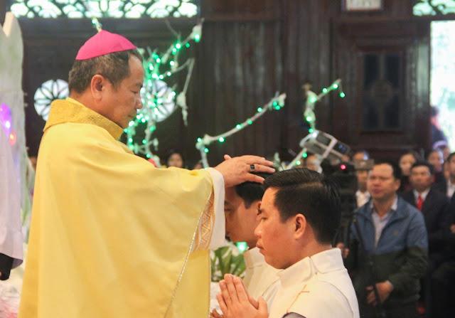 Lễ truyền chức Phó tế và Linh mục tại Giáo phận Lạng Sơn Cao Bằng 27.12.2017 - Ảnh minh hoạ 142