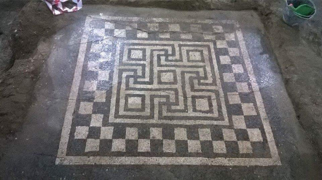 Over 2,000 years mosaic of swastika revealed in Dyrrachium