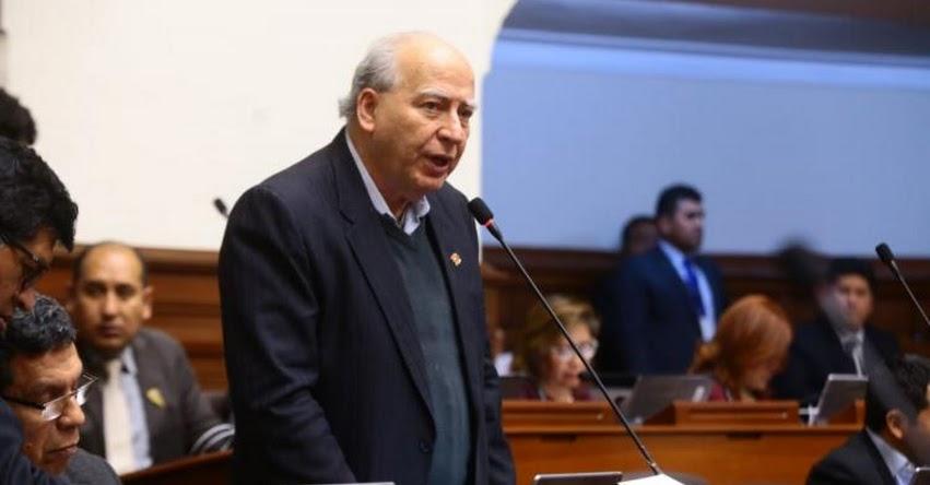 Mesa Directiva del Congreso dirigida por Fujimorista Leyla Chihuán, propone suspender 120 días a Manuel Dammert, por negarse a retirar expresiones sobre el Apra en debate