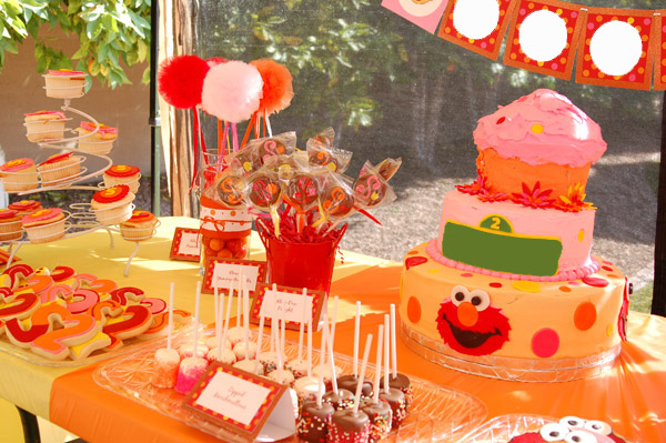 Munchkins Elmo Themed 2nd Birthday Party W Rubber Ducky Punch