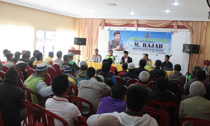 Ratusan Komunitas Ojek Berkumpul di Reses Legislator NasDem