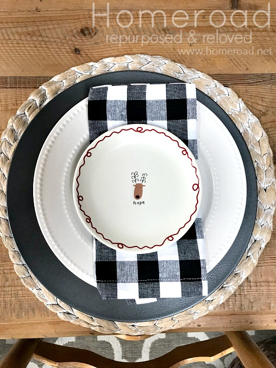 Place setting with Christmas plate