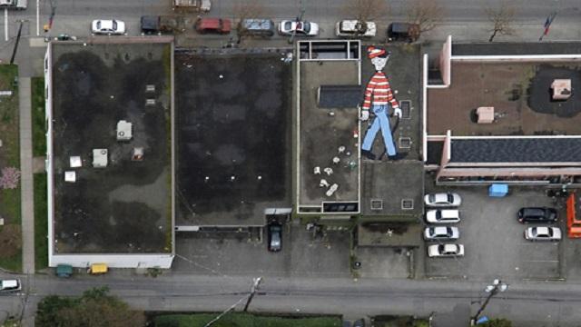 """إلعب """"أين هو تشارلي؟"""" على خرائط Google"""