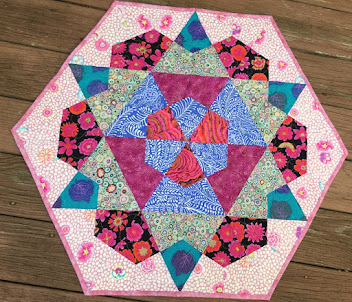 Rose Star Table Topper