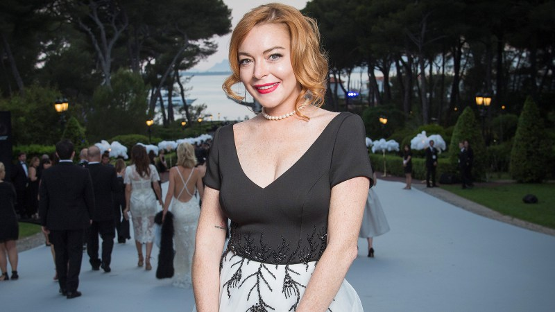 Lindsay Lohan Wants to See 'Mean Girls' Musical, Star Erika Henningsen Says