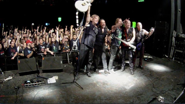 Το συγκρότημα Thrust στο Up The Hammers Festival