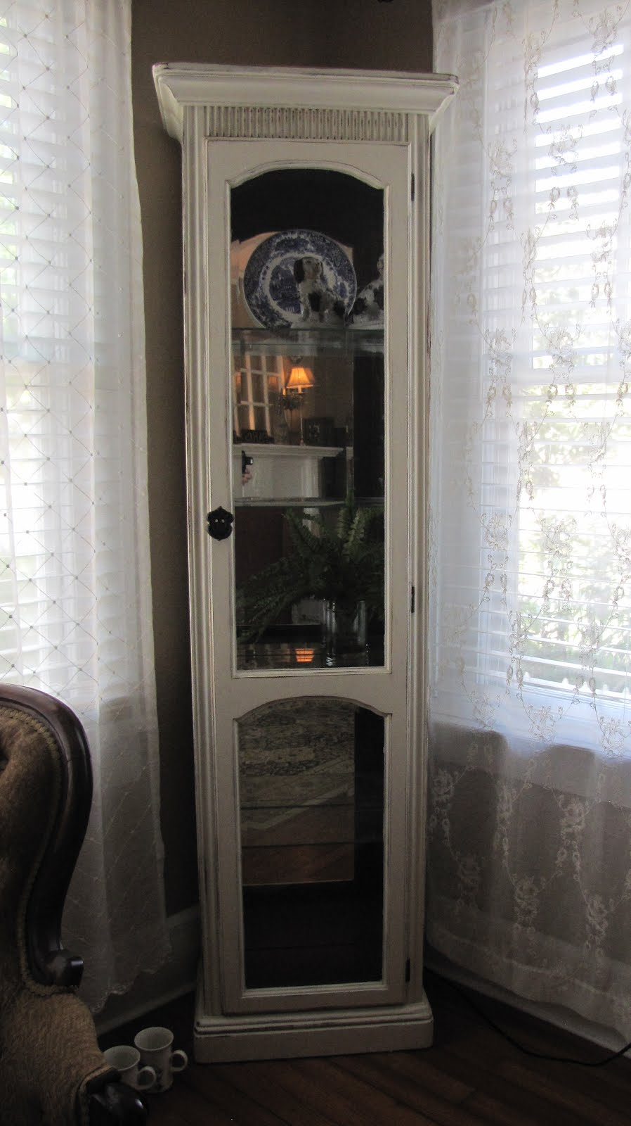 A Painted Haven Art Blog Curio Cabinet Old White