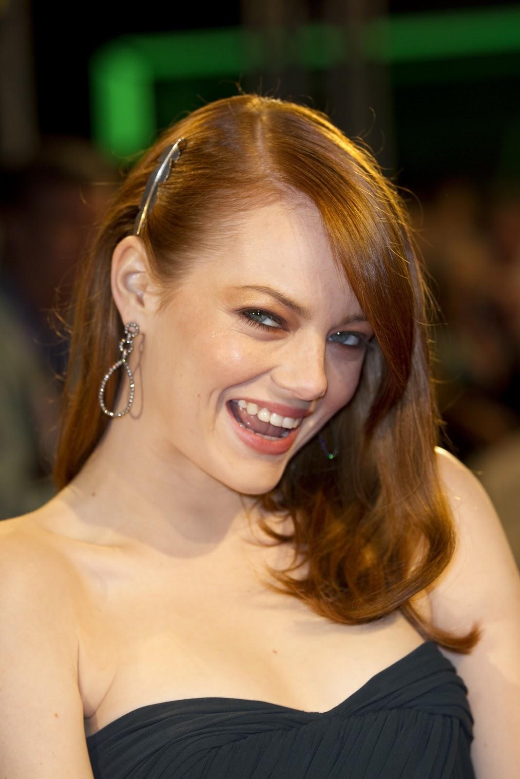 Emma Stone 30 Rock Video  Nude Naked Pussy Slip Celebrity-1492