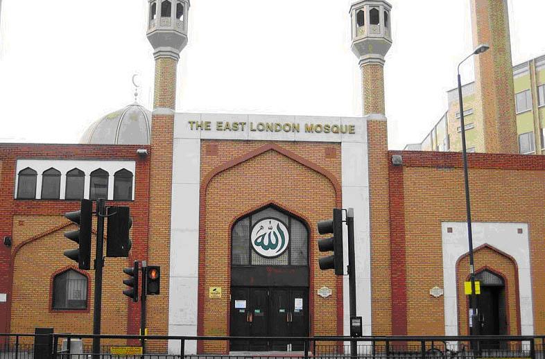 Adzan Berkumandang di Sembilan Masjid di London Borough