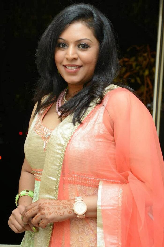 Tamilcinestuff   Singer Madhu Photos In Salwar Kameez At Swiss Bank Ki Daredi Movie Audio -3686