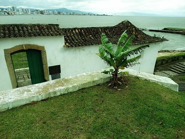O Forte Sant'Anna é o menor de Florianópolis.