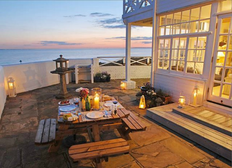 coastal beach house outdoor dining