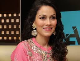 Waluscha D'Souza Biography Age, Height, Profile, Family, Husband, Son, Daughter, Father, Mother, Children, Biodata, Marriage Photos.