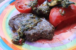 Marynowana polędwica z grilla z aromatycznym sosem