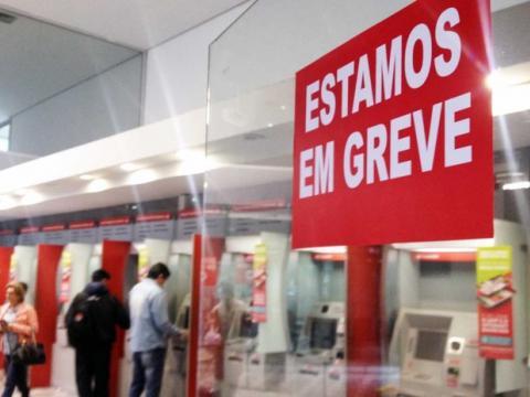 Bancários mantêm greve sem perspectiva de negociação com patrões