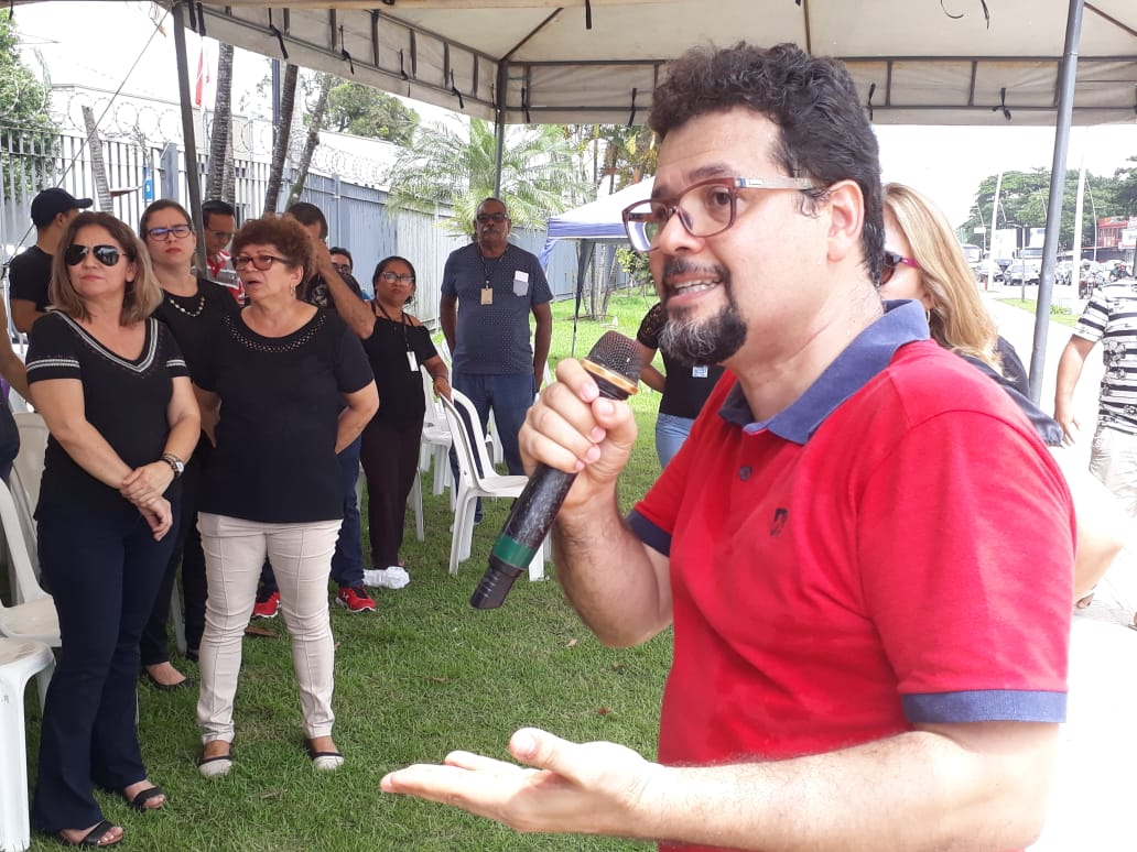 Em estado de greve, servidores do Detran realizaram ato público em Belém