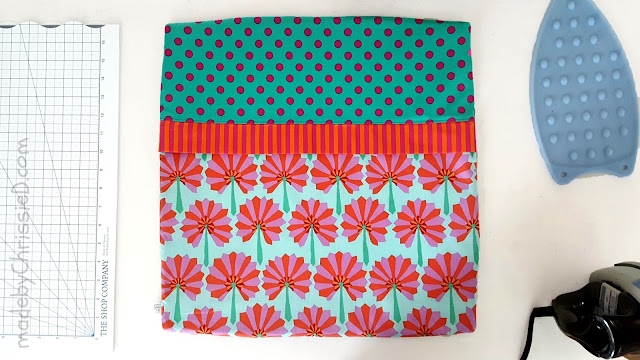 Blousy Blooms Pillow Cushion tute by www.madebyChrissieD.com
