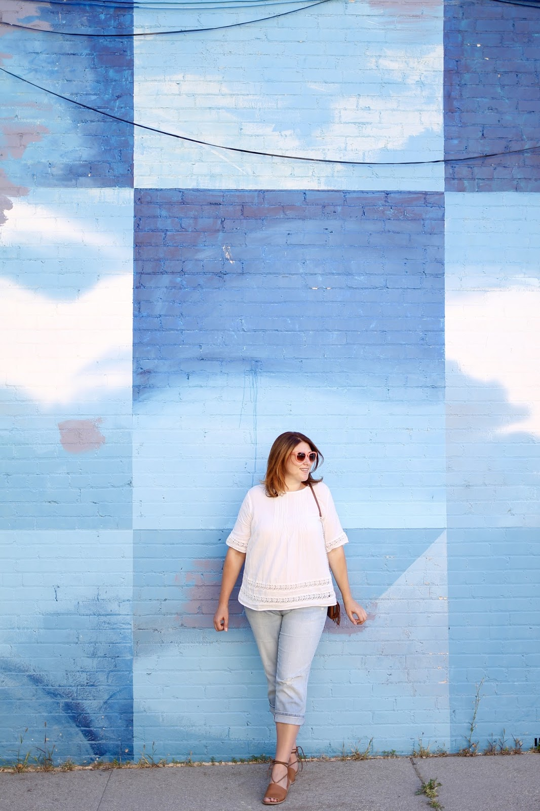 maternity style, pregnancy outfit, swing top, Salt Lake city Mural