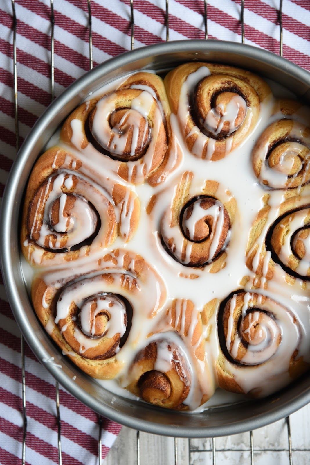 The Best Easy Cinnamon Rolls Recipe