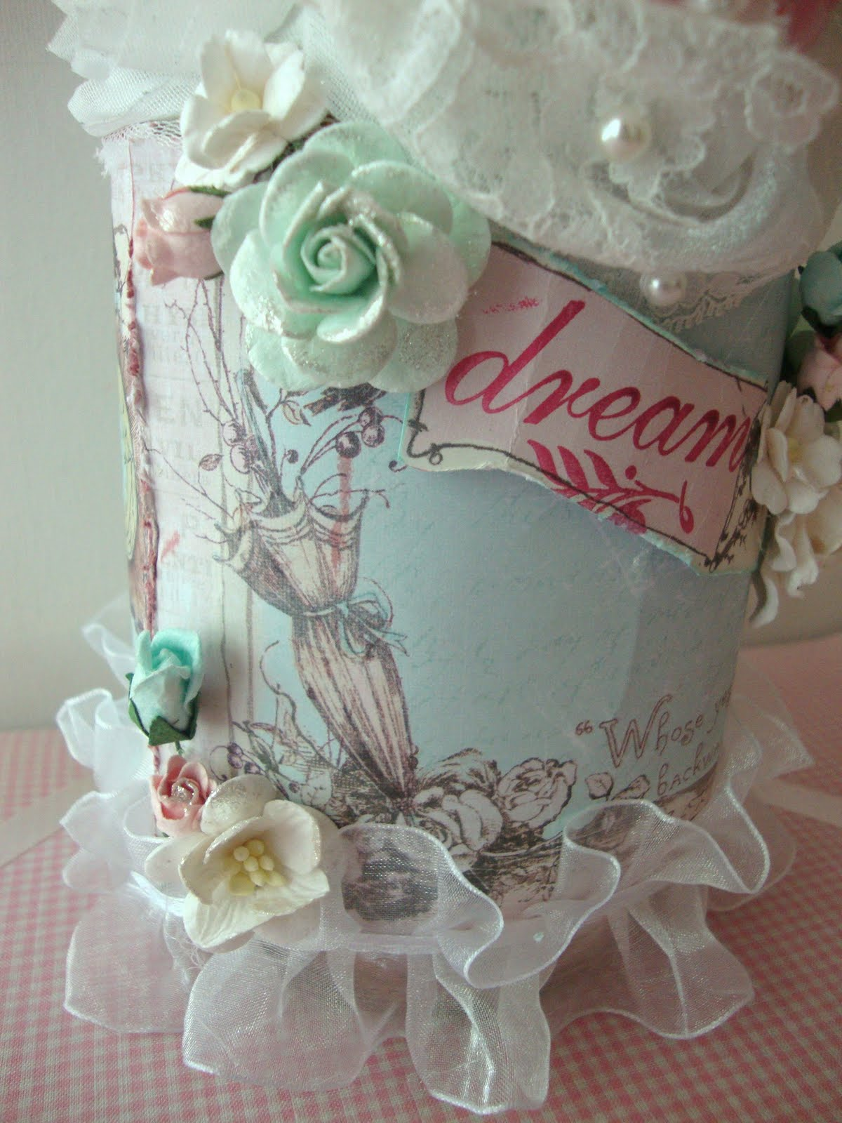 ShabbyChicJCouture : Shabby Chic Altered Glass Jar Using