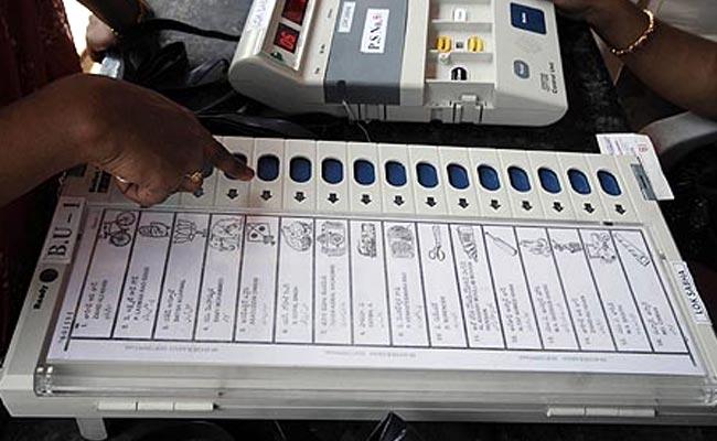 कर्नाटक चुनाव मतगणना जारी:  बीजेपी सबसे आगे
