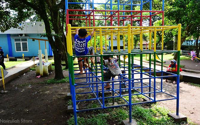 Fasilitas bermain lainnya di Taman Zebra Cilacap