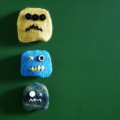 Knitted Monster Fridge Magnet - free knitting pattern