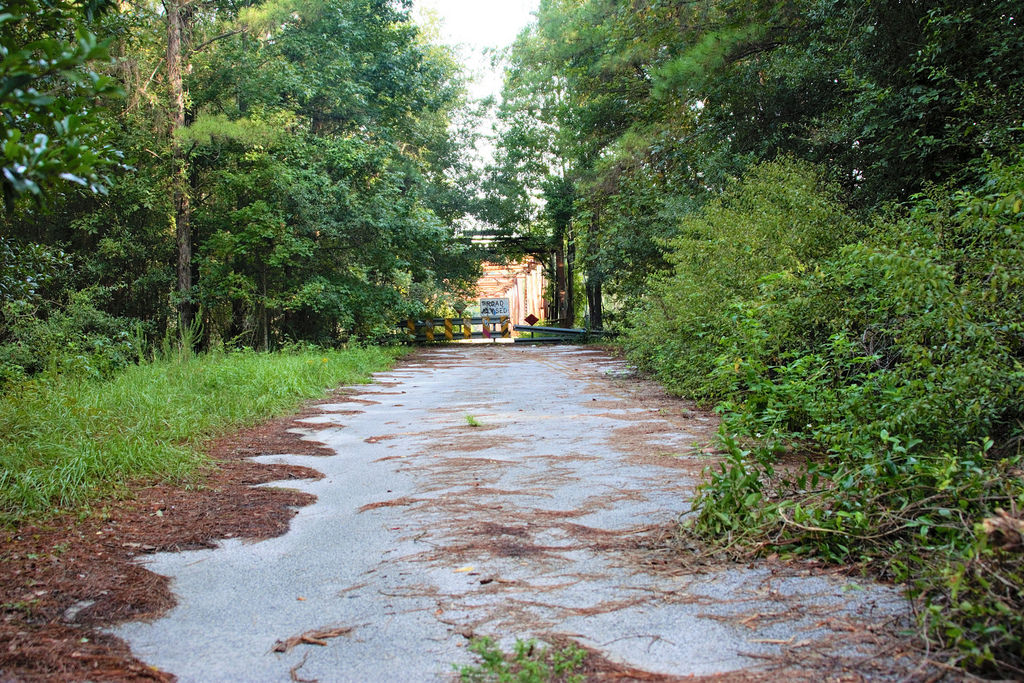 deserted places in florida This abandoned disney water park has been rotting for over 15 years  river  country in orange county, florida was walt disney world's first.