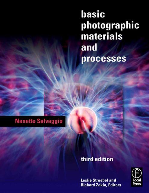 Portada libro: Materiales y procesos básicos de la fotografía.
