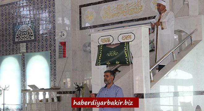 Diyarbakır'da Cuma hutbesinde işaret diliyle kurban ibadeti anlatıldı