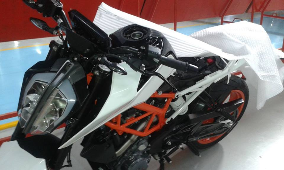 2017 KTM Duke 390 spotted testing in India | video twinkle torque