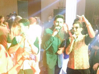 Abhishekh sings along meet brother in Naina Bachchan reception