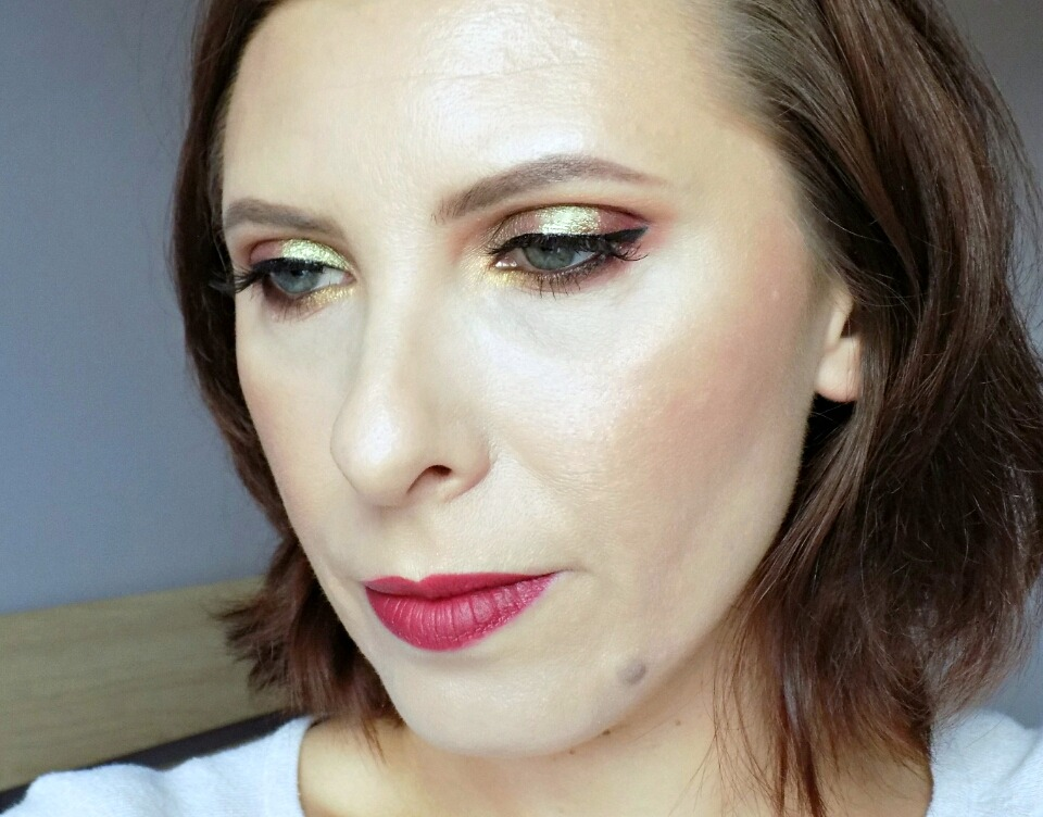 Makeup look: green & burgundy, feat. Makeup Geek eyeshadows