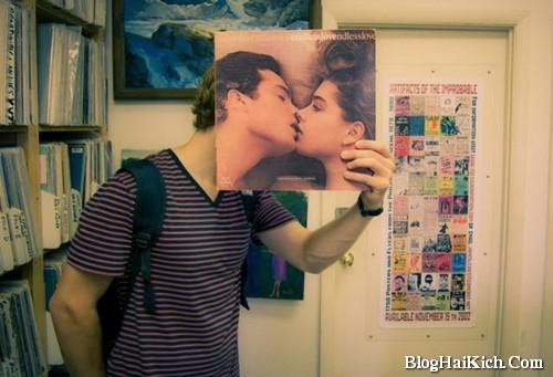 Ảnh ghép hôn nhau cực kỳ hài hước