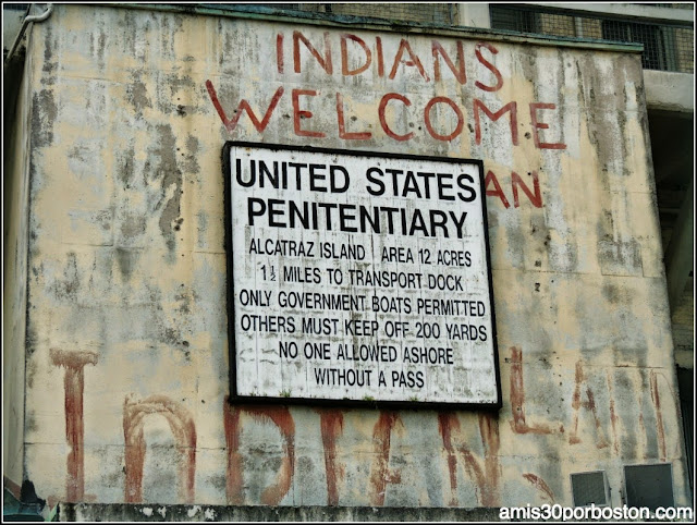 La Isla de Alcatraz: Indians Welcome