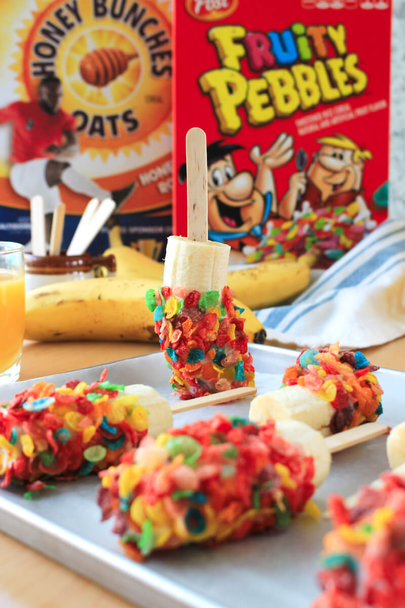 Fruity Pebbles and Banana Breakfast Pops is and easy breakfast recipe kids will love! #AD