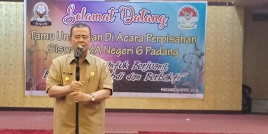 Wagub Nasrul Abit Imbau Alumni SMAN 6 Padang Tak Golput
