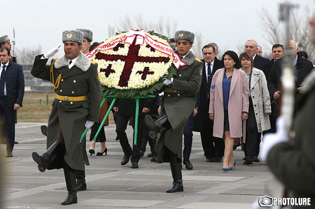 Zurabishvili conmemora a las víctimas del genocidio armenio