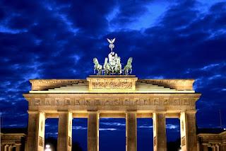 Πλουτίζουν ασύστολα οι Γερμανοί σε βάρος μας