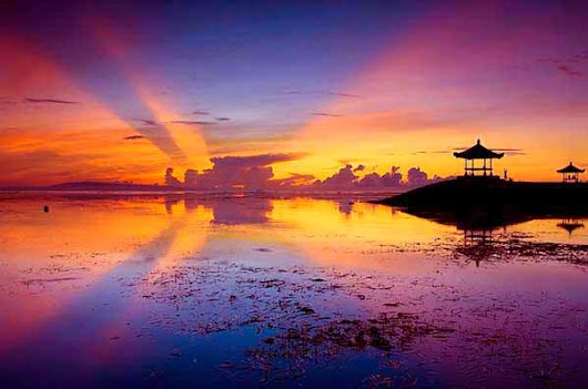 Seawalker In Sanur Beach Bali Is An Attractive Tourist Targets