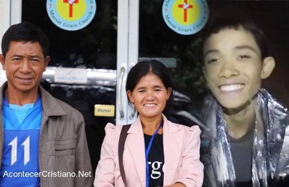 Niño rescatado de cueva Tham Luang en Tailandia