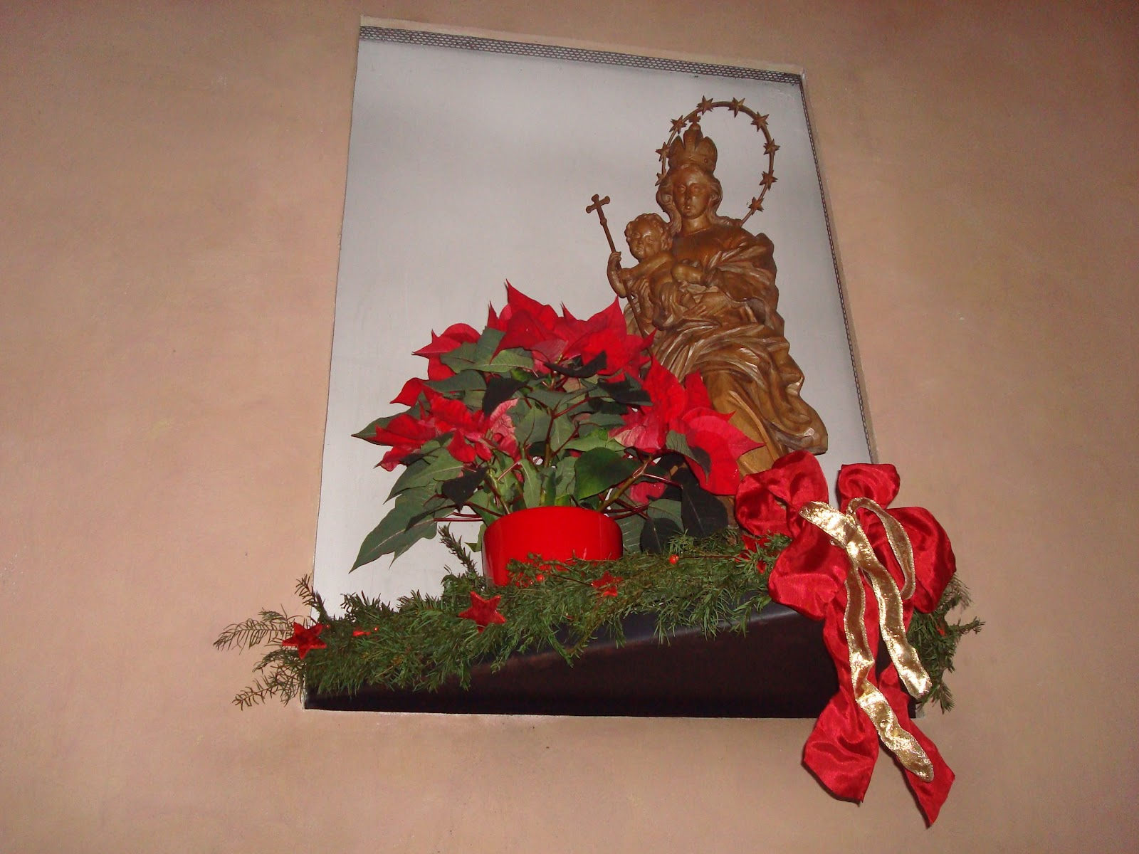 Altar Blumenschmuck
