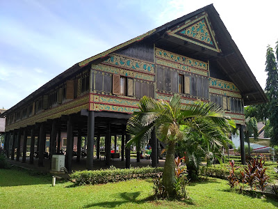 Rumah Adat Aceh (Krong Bade), Gambar, dan Penjelasannya