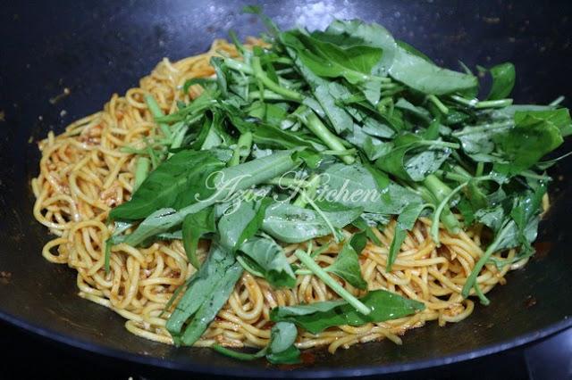 Mee Goreng Azie Kitchen Versi Dengan Telur